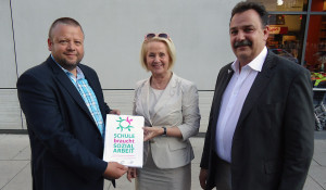 Übergabe der Petition an Frau Staatsministerin Christine Clauß